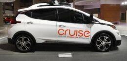 VOA慢速英语:加州批准Cruise公司测试无人驾驶汽车