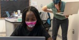 VOA慢速英语:华盛顿特区的学校在健康危机期间进行实验