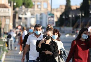 国际英语新闻:Italy reimposes anti-COVID-19 restrictions, extends state of emergency until Jan. 31