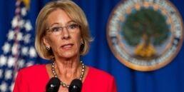 VOA慢速英语:拜登计划提名米格尔・卡多纳担任美国教育部长?