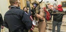 VOA慢速英语:美国联邦调查局警告总统就职典礼前可能发生武装抗议活动