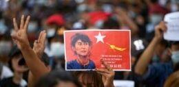 VOA慢速英语:缅甸军事统治者禁止集会 抗议活动仍在继续