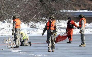 国际英语新闻:Large ice congestion in Latvia river blown up to avert floods