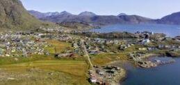 VOA慢速英语:格陵兰面临稀土矿开采的艰难抉择