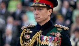 VOA慢速英语:菲利普亲王的真实一面