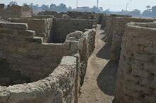 三千年前的古埃及城市重见天日 房间留存各类生活用具
