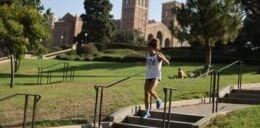 VOA慢速英语:大学将来会要求SAT或ACT考试吗?
