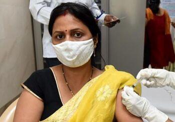 国际英语新闻:India's states flag COVID-19 vaccine shortage