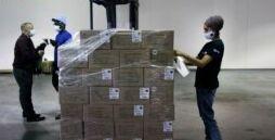 美国志愿者为印度新冠危机组织援助