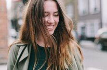 世界微笑日:微笑的背后有多少秘密?